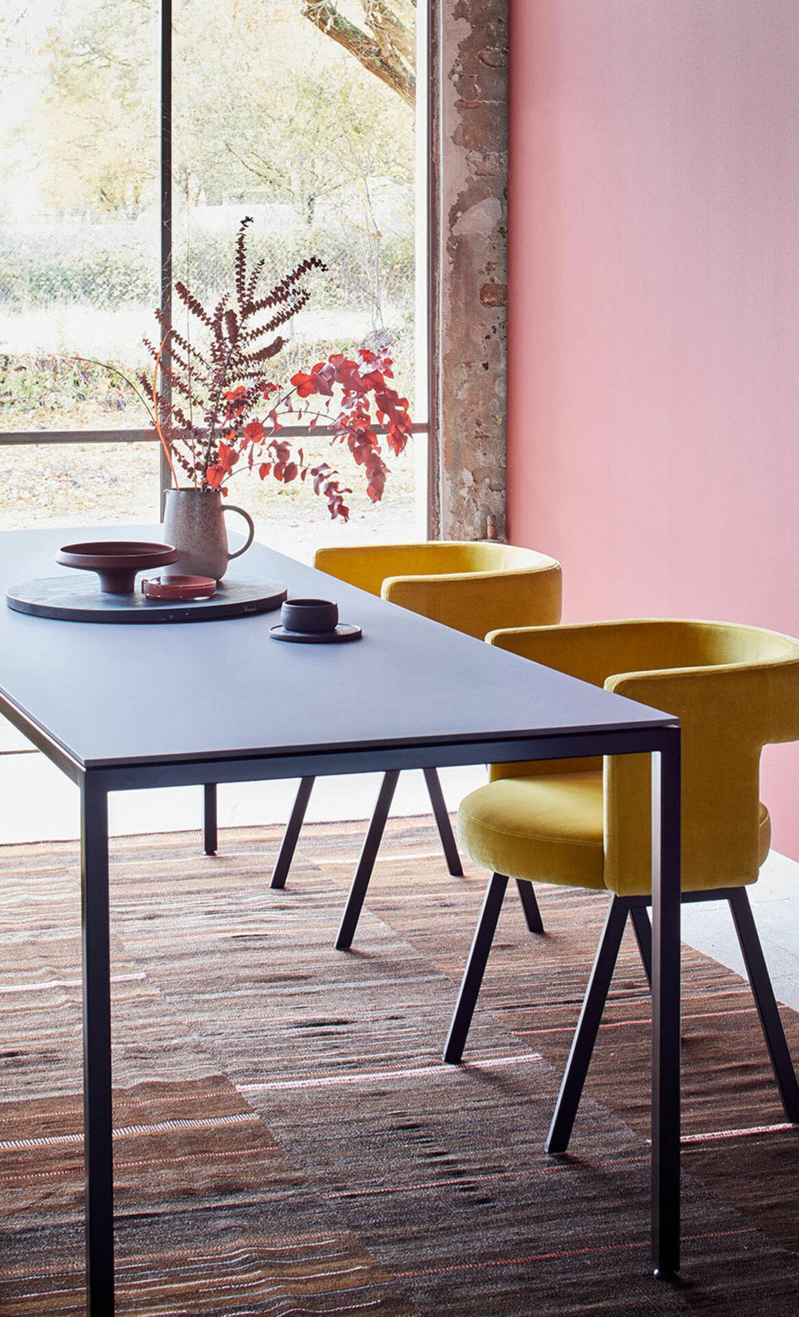 clever & unkompliziert – Tisch M38 aus Eternit & Stahl