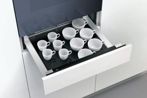 Eine zum Warm halten – Wärmeschublade für Geschirr & Lebensmittel
